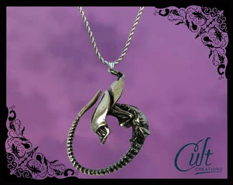 Alien Covenant sterling silver / faux leather necklace with Alien Xenomorph Queen charm