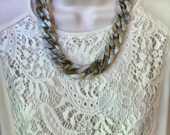 Grey Beige Tortoise Shell Marbled Leopard Chunky Chain Lucite Link Housewife Resin Statement Necklace
