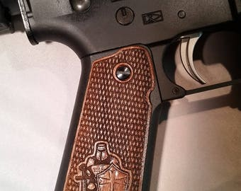 1911 FULL SIZE CRUSADER engraved grips For Pearce AR15 Grip Adapter