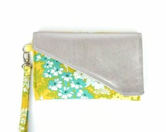 Travel Wallet Floral Yellow, Blue Yellow Passport Holder, Womens Yellow Travel Wallet, Family Passport Holder, Faux Leather Travel Clutch,