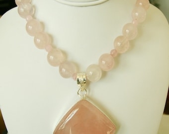 Beautiful Rose Quartz Silver Pendant Necklace. Frer Shipping