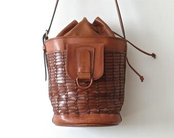 Vintage leather bucket bag