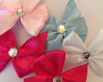 Mini pinwheel bow clip with silver gem