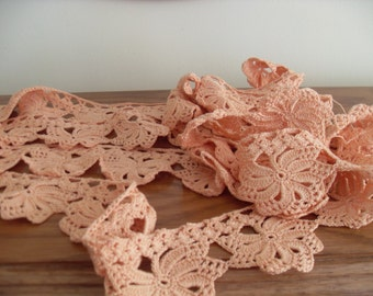 Hand-crocheted lace 4.8 m / 0.9 m Color pink - banana Knitted in 60s