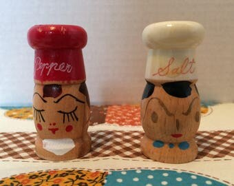 Vintage Hand Painted Wooden Salt and Pepper Shakers Made in Japan Vintage Wooden Chef Salt Pepper Shakers