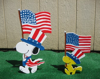 Peanuts Patriotic Snoopy and Woodstock Yard Signs