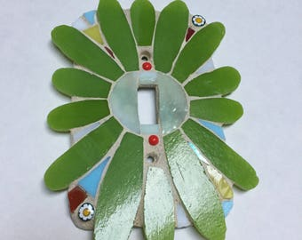 Stained-glass mosaic single-flower wall plate