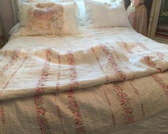 Vintage Cottage   Quilt Pink Roses