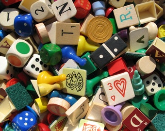 40 Vintage game pieces mix, letter mix, pawns, scrabble, dice, plastic and wooden items for scrapbooking and collage