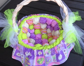 Easter basket with puffy (or biscuit) blocks lining