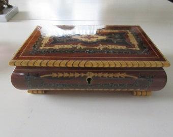 ISOLA DI CAPRI Musical Jewelry Box