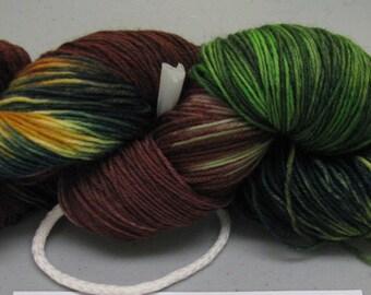hand dyed Sock Yarn Maniac  hank # 4 only limited quantity 75/25 % wool nylon superwash 100 grams 462 yards