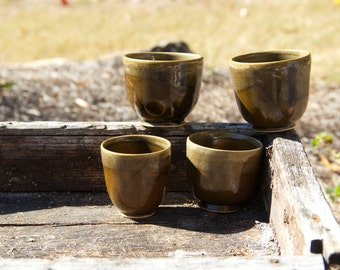 Small brown cup (set of 4)