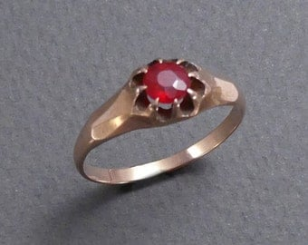 14K ruby doublet ring size 8