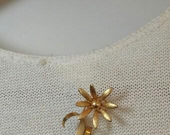 Vintage Goldtone Flower Brooch Pin