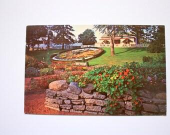 Floral Clock Guelph Ontario Postcard 1975 /  Vintage Guelph Postcard / Clock Postcard / Guelph Postcard / gardens Postcard
