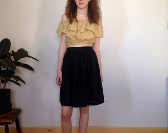 silk high waisted black skirt (s)