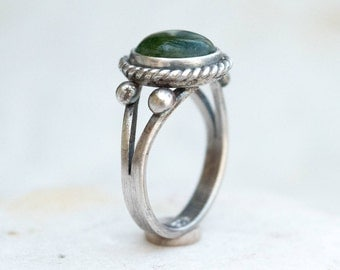 Gemstone ring, Sterling silver ring, Artisan ring, Solitaire silver ring, Handmade silver ring, Green Quartzite silver ring, Green jewelry