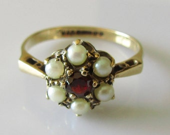 9ct Gold Garnet & Pearl Cluster Ring Size M