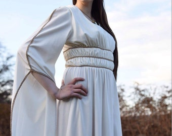 Stunning Grecian cascading sleeved wedding gown dress 1970s off white vintage 8 S PEACE VINTAGE