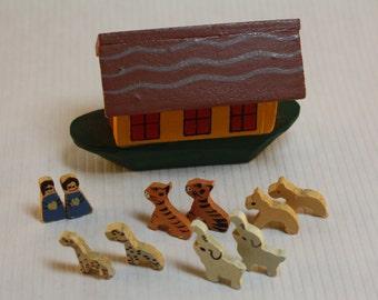 Dollhouse Miniature Handmade Wood Noah's Ark with Couple & Animals (1/12 Scale)