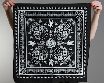 Bandana print black satin gray