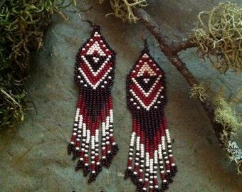 Native american style Beadwork, native style earrings, beaded earrings, seed bead earrings, modern earring, boho earrings, fringe earrings
