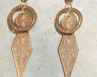 Art Deco Dangle and Drop Earing 14 Karat gold 2.25 inch in length