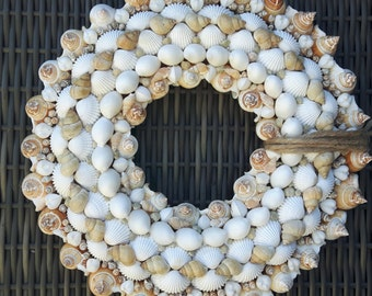 Shells wreath large +/-37cm