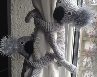 A pair of Koala curtain tie backs, nursery curtains tie backs, animal tie backs, nursery decoration, baby shower's gift, new baby gift