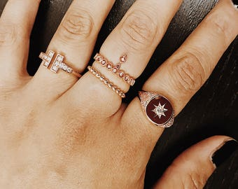 Signet Ring, Diamond Signet Ring, 14k Solid Gold Signet Ring, Star Setting & Side-Detailed Natural Diamond Signet Ring, Minimalist Ring