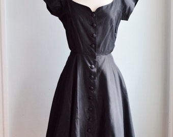 1940's/50's Black Taffeta Dress with Red Tulle Underskirt/Waist 26""