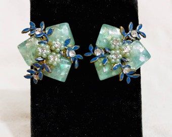 Lucite/Enamel/Pearl Floral Clip On Earrings