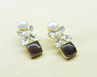 Earrings Studded With Fresh Water Pearl and Stone - DH8joolry