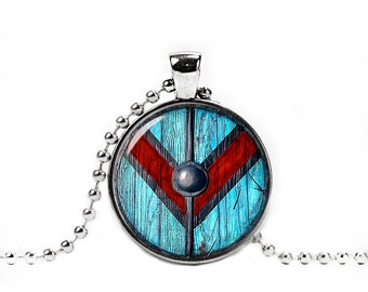 Vikings Queen Lagertha Shield Necklace Pendant Astrid Kattegat Norse Fangirl Fanboy