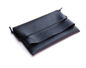 Wallet, pouch, clutch, pochette, smartphone case, coin purse, minimal, leatherette, black