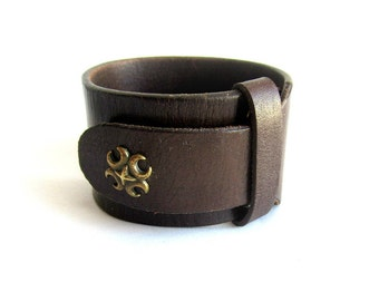 Mens brown leather cuff bracelet, mens leather bracelet, maltese cross leather bracelet, mens leather wristband, brown leather wristband