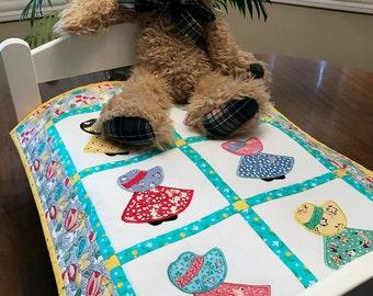 Sunbonnet Sue appliqued doll quilt, miniature quilt, 30's fabrics, Item #186