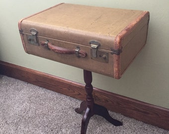 Awesome Vintage Suitcase Side Table Or Nightstand Repurposed 1940s Era Small  Suitcase With Leather Trim On Wood
