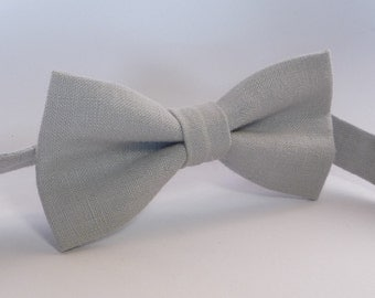Light Gray Linen Bow Tie, Mens Linen Bow Tie, groomsmen bow tie, light grey bow tie, boys bow tie, pre tied bow tie.
