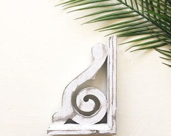 bookends, shelving bracket, corbel, corbels, wood chippy decor, rustic wall decor, farmhouse decor, vintage inspired