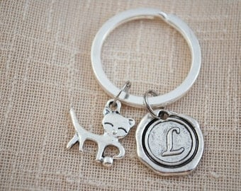 Cat keyring, FREE SHIPPING, cat lovers gift, pet keychain, personalised keyring, Initial Keychain