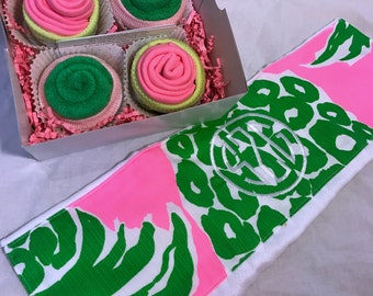 Lilly Pulitzer Baby Gift Set, Monogrammed Burp Cloth, Washcloth & Socks Cupcakes, Pineapple baby shower, Personalized Baby Gift, Baby Girl