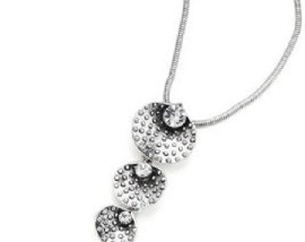 Silver Triple Drop Pendant Necklace NK4010j