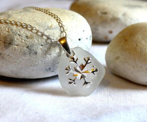 Sea Glass Pendant, Snowflake Pendant, Silver Snowflake, Snowflake Necklace, Christmas Necklace, Christmas Jewellery, Christmas Gift- PE16025