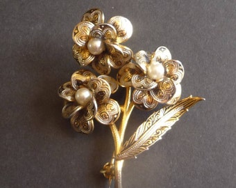 Damascene Toledo flower brooch, black and gold with pearls
