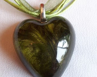 Heart swirl green and black resin necklace