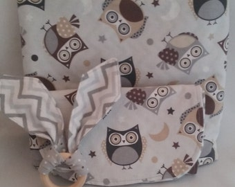Handmade H 35 in X W 29 in Baby Quilt, 2 burp clothes, 1 organic teething ring