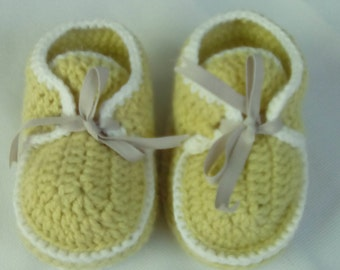 Bootie ankle-boot green lime and white crochet for baby