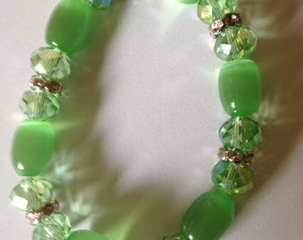 Pale Green Cat's Eye Beaded Bracelet.